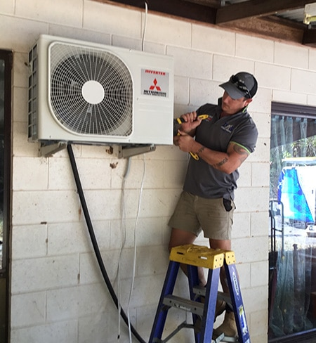 Thor Installing a Mitsubishi Heavy Industries Air Conditioning Unit